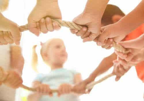 5 bénéfices du jeu coopératif chez les enfants