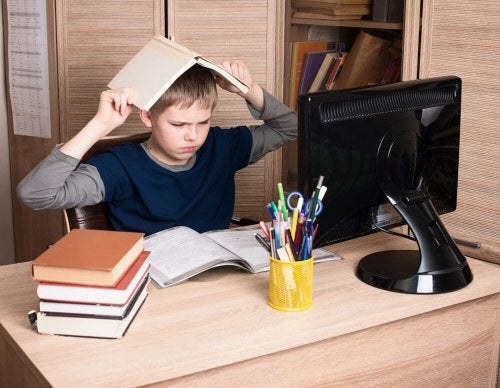 Un enfant refuse de faire ses devoirs en raison du trouble oppositionnel avec provocation