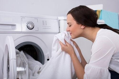 Comment éliminer l'odeur d'humidité des vêtements