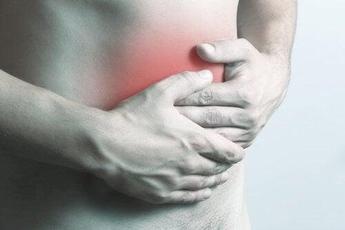 L'abcès intra-abdominal est douloureux