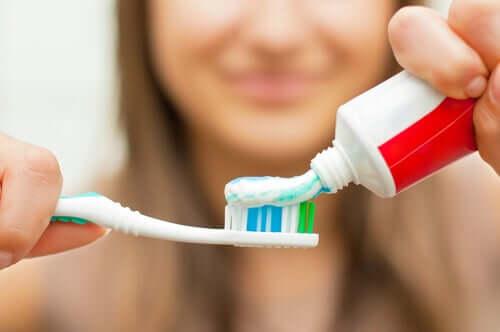 Le brossage des dents participe à une bonne hygiène dentaire