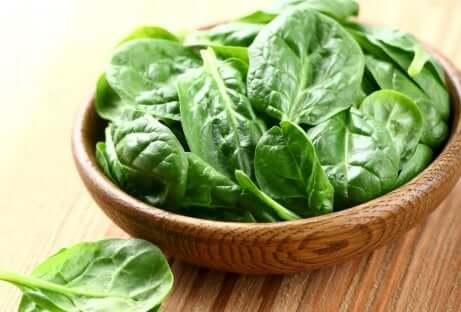 Les épinards sont une grande source de vitamine E