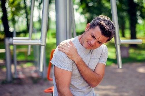 Épaule gelée : facteurs de risque et traitements