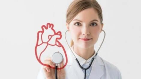 Un médecin avec un stéthoscope