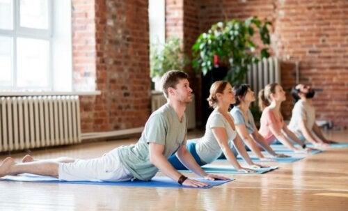Une lombalgie peut être apaisée grâce au Pilates