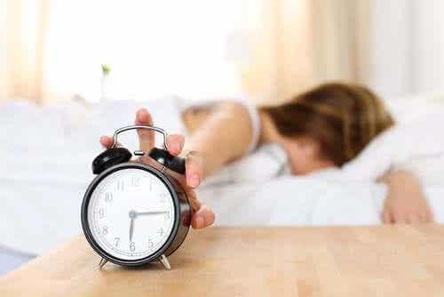 Fatigue au réveil : quelles sont les causes ?