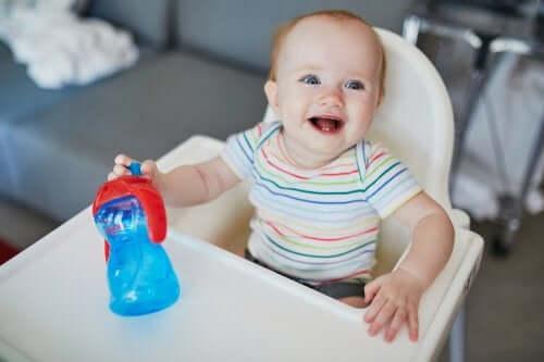 L'hydratation du bébé en été : quels sont ses besoins ?