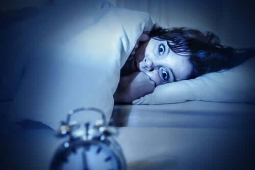 La paralysie du sommeil chez la femme