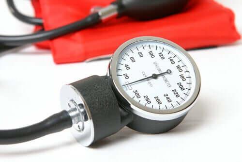 Un appareil pour mesurer l'hypertension artérielle