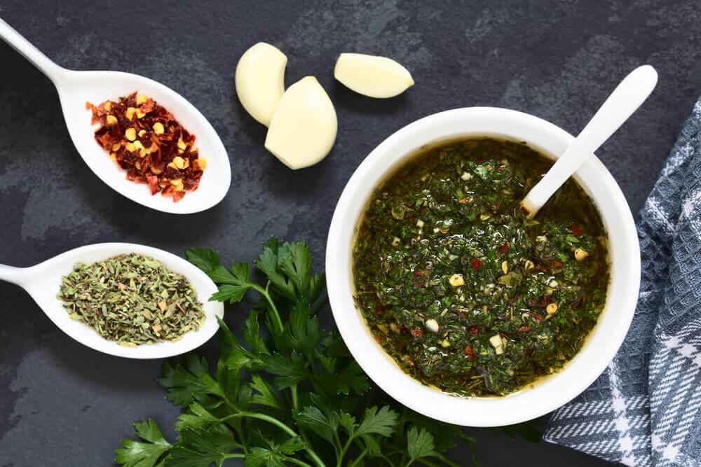 La recette de sauce verte pour accompagner les boulettes de merlu et crevettes