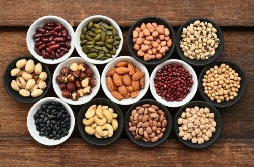 Les fruits secs contiennent de l'acide folique