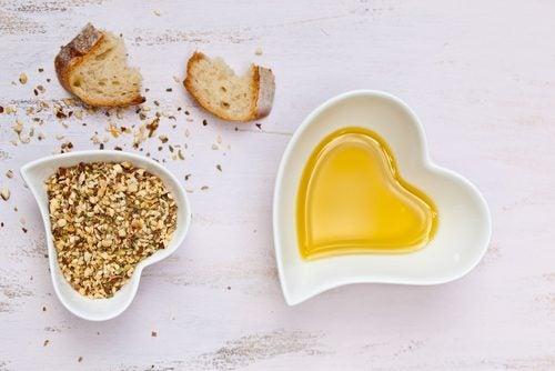 Les huiles végétales font partie des aliments vegan les plus caloriques