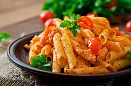 Préparez une recette facile de macaronis au thon