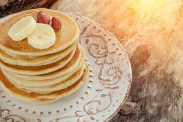 Apprenez à préparer de délicieux pancakes à la banane