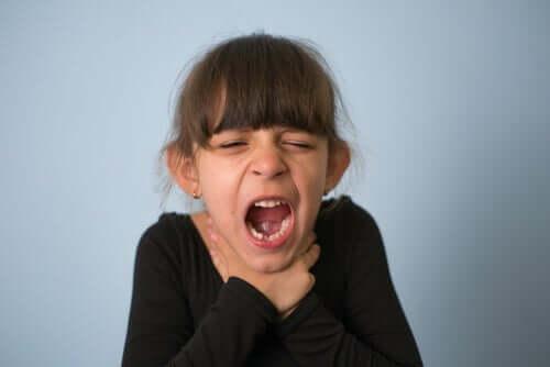 Étouffement chez les enfants : que faire ?