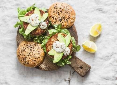 Hamburgers de thon: une recette saine
