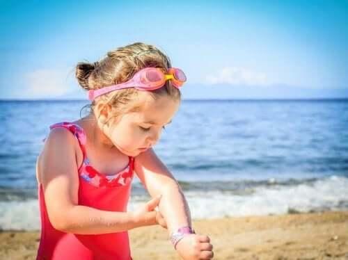 Petite fille au soleil.