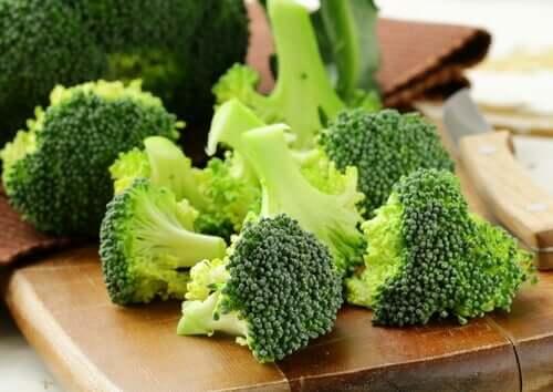 La consommation de brocolis est très bonne pour lutter contre l'anémie ferriprive