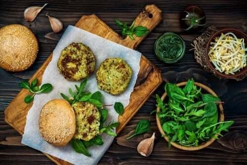 Le hamburger végétarien fait partie des recettes aux champignons