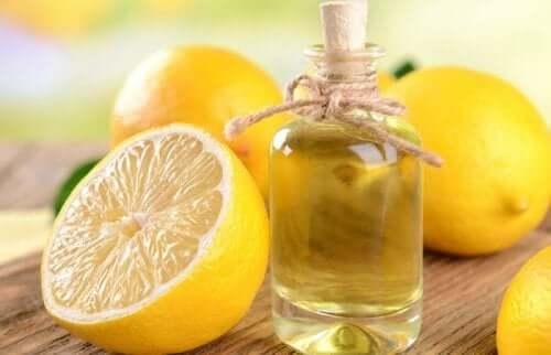 L'huile de citron pour préparer un nettoyant pour meubles