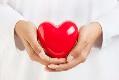 Ceux qui souffrent de maladies cardiovasculaires et qui ont été contaminés par le coronavirus sont les personnes les plus vulnérables