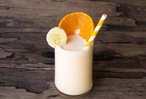 Parmi les milk-shakes au yaourt figure celui parfumé à l'orange