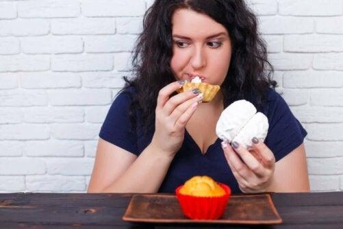 L'anxiété peut se traduire par des crises de boulimie, qui entraînent un certain inconfort digestif