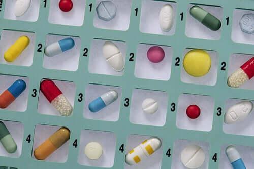 Pourquoi ne faut-il pas s'automédicamenter avec des antibiotiques ?