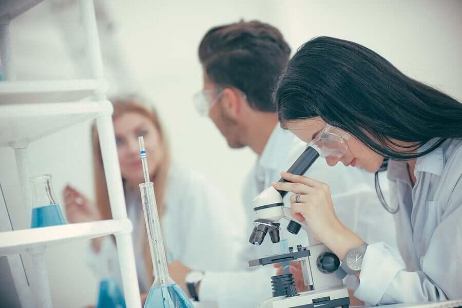 Les études portant sur le sang des personens guéries du coronavirus