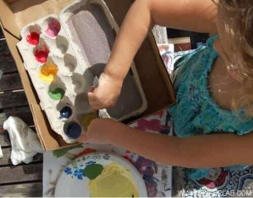 Peindre permet d'améliorer la santé cérébrale d'un enfant