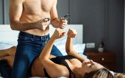 Pimenter sa vie sexuelle pour lutter contre la baisse de la libido