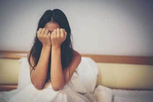 Une femme victime de violence verbale