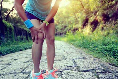 Remèdes maison pour le genou du coureur