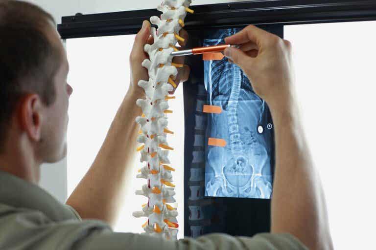 Métastases osseuses : symptômes et traitements