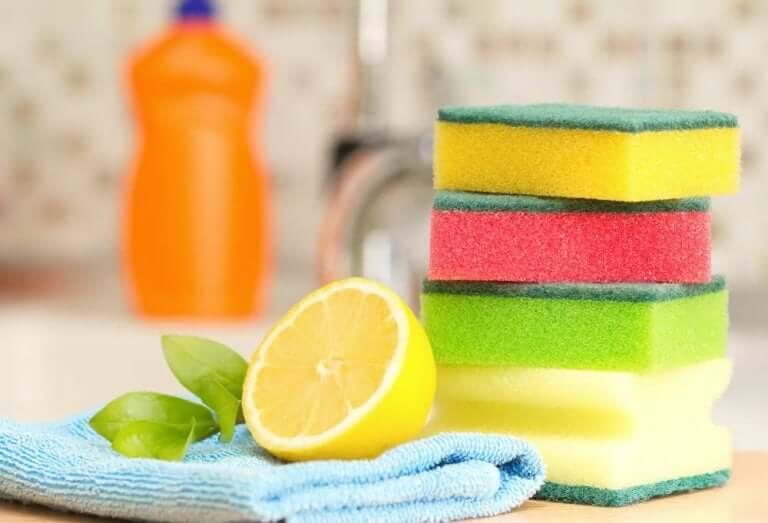 Utiliser des produits naturels pour le nettoyage plutôt que des produits chimiques