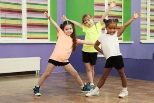 La gymnastique cérébrale pour renforcer la santé cérébrale d'un enfant