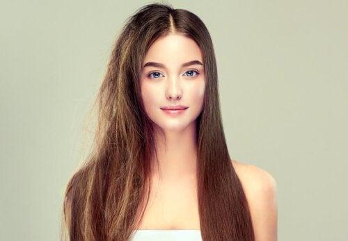 6 secrets pour avoir des cheveux sains et soyeux