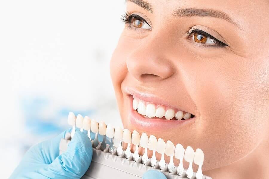 Blanchiment dentaire : qu'est-ce que c'est et quels sont les différents types ?