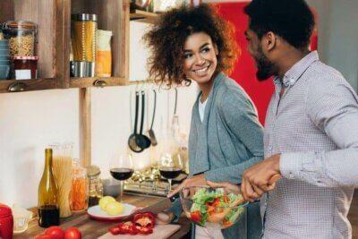 Les avantages de cuisiner en couple