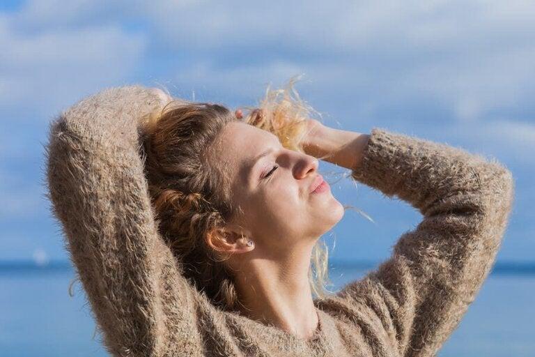 5 remèdes naturels pour protéger les cheveux du soleil