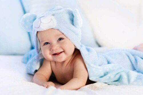 La polaire pour les vêtements de bébé