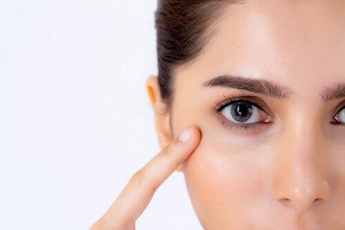 Conseils de maquillage pour corriger les taches