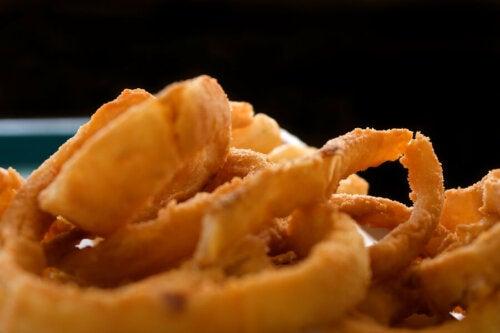 3 recettes de rondelles d'oignons frites
