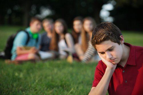 La pression de groupe à l'adolescence.