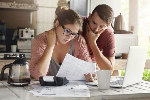 Divorce: la répartition des dettes selon les salaires