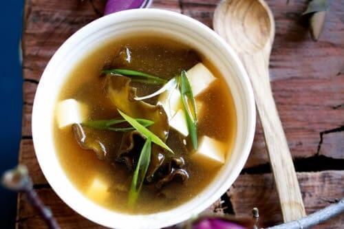 Le miso figure dans la liste des aliments fermentés