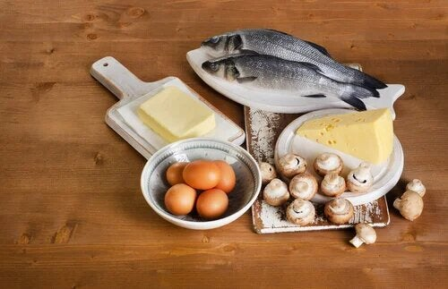 Les aliments contenant de la vitamine D permettent de diminuer le risque d'ostéoporose.