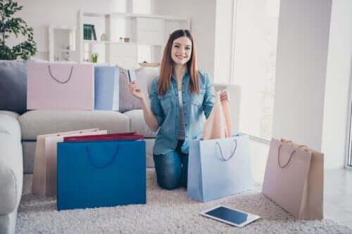 4 signes qui indiquent une dépendance au shopping