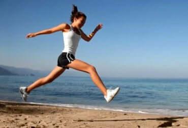 Le sport réduit la perte osseuse.