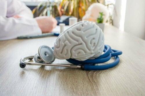 Boire du thé de millefeuille permet de prendre soin de sa santé cérébrale.